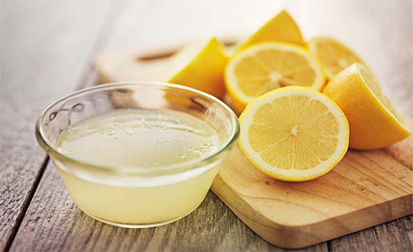 فوائد تناول الليمون علي الريق