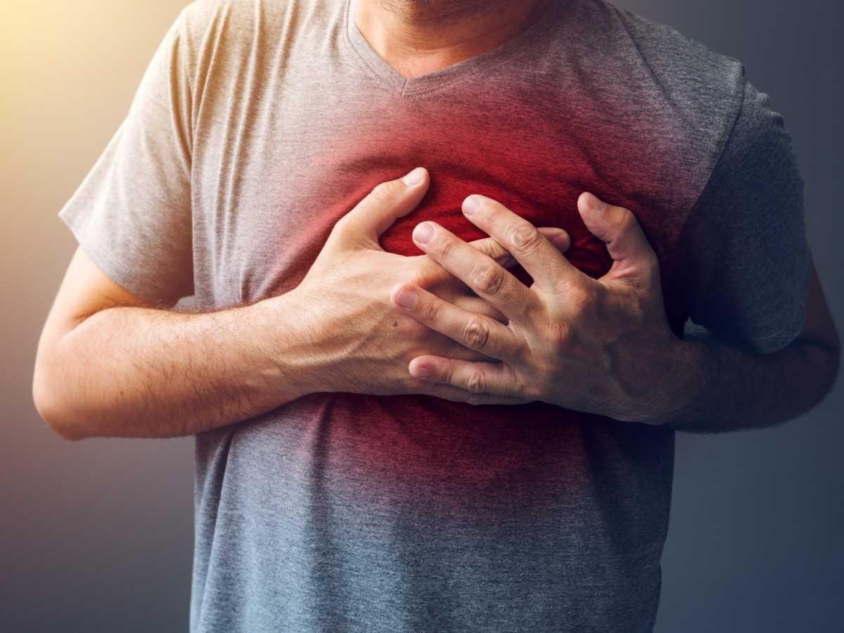 ماهي اسباب الام عظام القفص الصدري والظهر معلومة