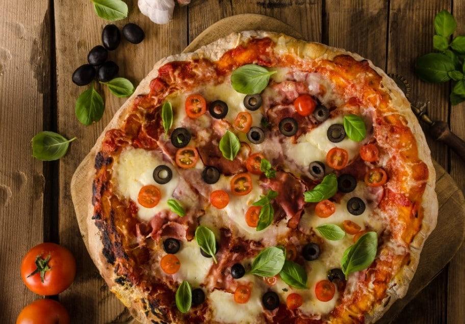 طريقة عمل البيتزا الايطالي