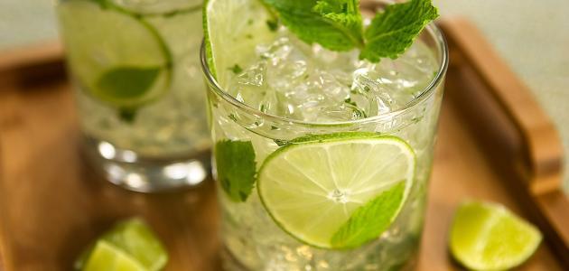 عمل عصير الليمون بالنعناع واللبن