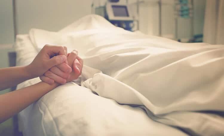 تفسير حلم موت الام وهي على قيد الحياة