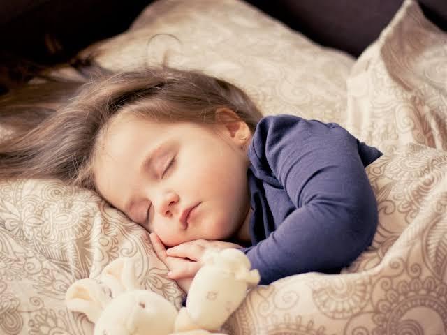 أضرار السهر ليلاً والنوم نهاراً 1