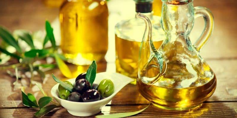 استخدام زيت الزيتون للهالات السوداء