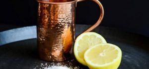 تنظيف النحاس بملح الليمون
