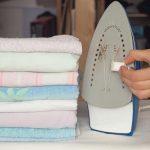 كيف أزيل آثار حروق المكواة من الملابس