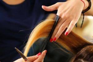 تفسير حلم قص الشعر للبنت