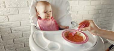طفلي عمره ثلاث شهور ماذا أطعمه