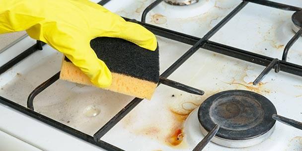 طريقة تنظيف البوتجاز بملح الليمون