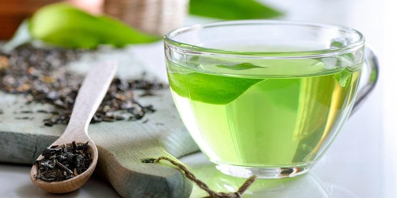 هل الشاي الأخضر ينظف البطن