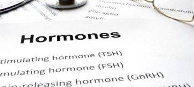 التغيرات الهرمونية في سن العشرين